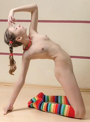 Naked Girls Pigtails Porn Pictures